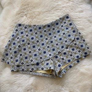 JOA/ Blue green floral shorts with skirt size M